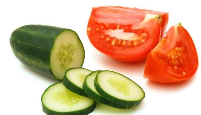 Trị mụn đầu đen hiệu quả bằng cà chua chỉ với một bước cực đơn giản