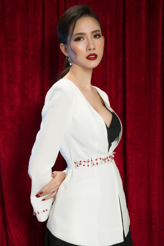 Ngắm trang phục của Phan Thị Mơ trước cuộc thi Hoa hậu đại sứ du lịch thế giới 2018