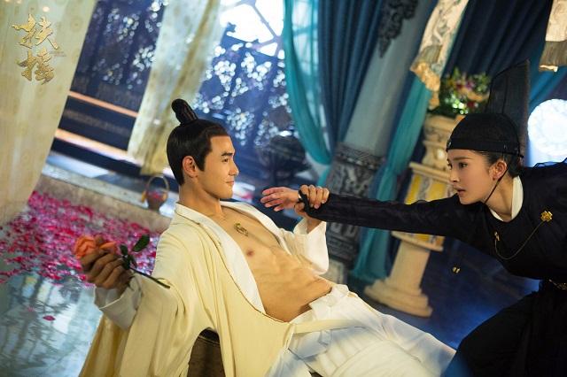 Tài tử gốc Việt gây sốt với cảnh nóng cùng Dương Mịch