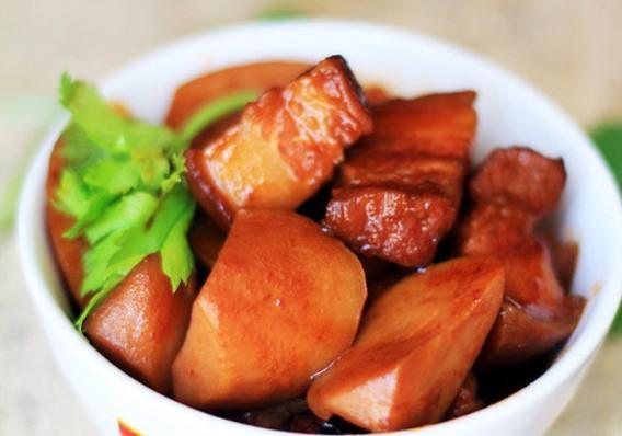 Thịt ba chỉ kho khoai sọ - món ngon vừa lạ vừa quen, ăn là nghiện