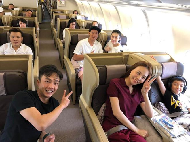 Cường Đô La công khai đăng ảnh du lịch cùng người yêu Đàm Thu Trang và con trai Subeo