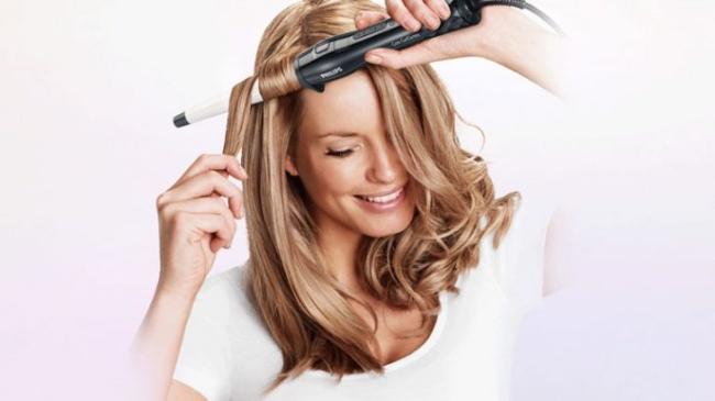 Cách giữ nếp xoăn cho tóc khi uốn giả