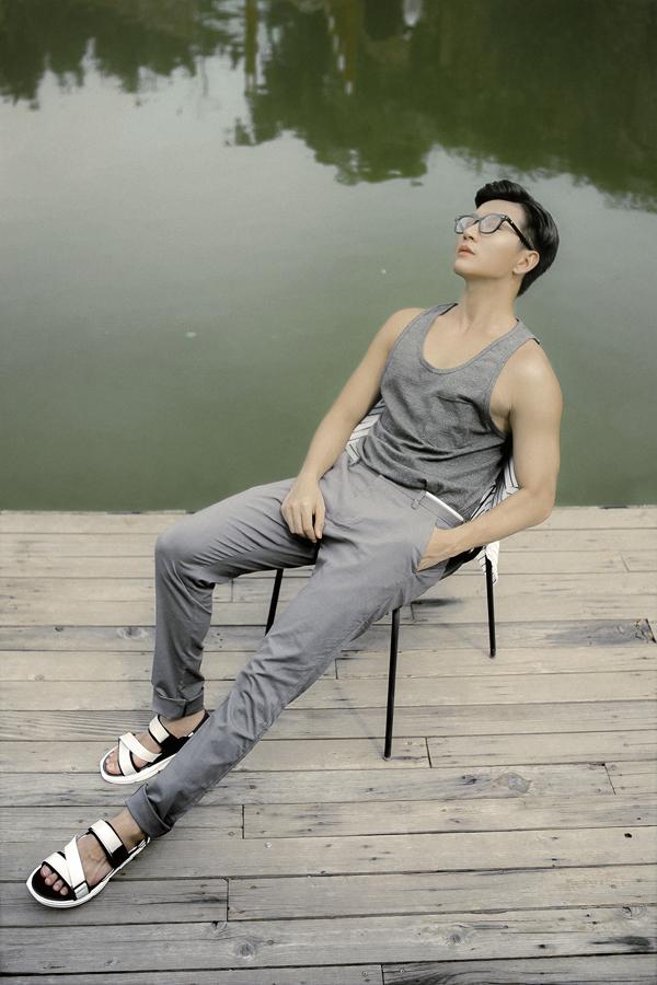 Nam Hee giới thiệu các mẫu áo hợp mốt mùa hè cho các chàng