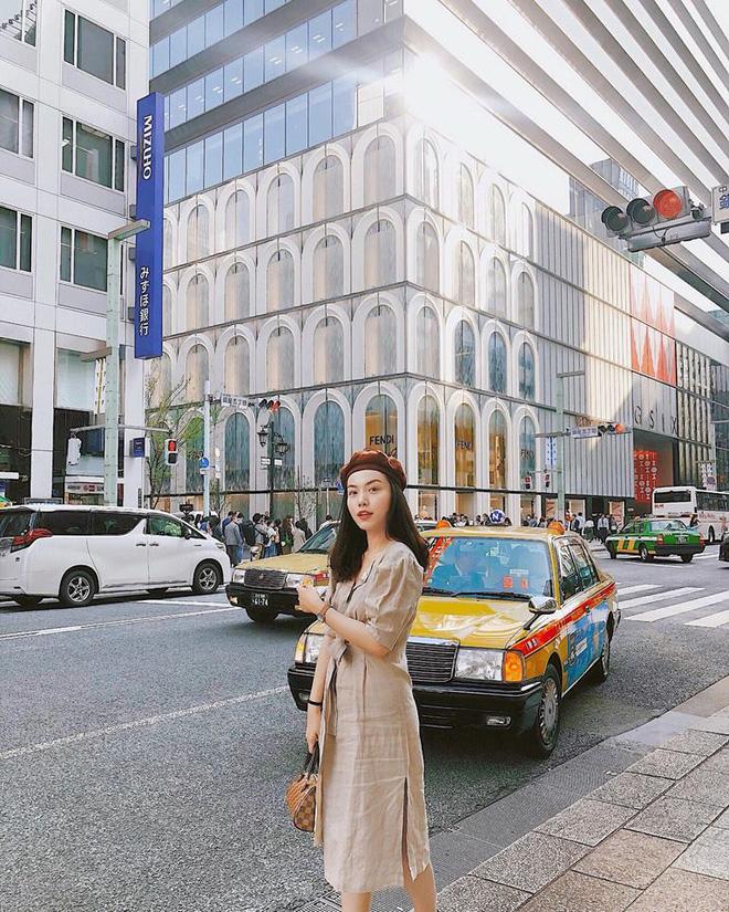 Học nàng hot girl được ví là bản sao của Hà Tăng cách diện đồ thanh lịch đầy thu hút