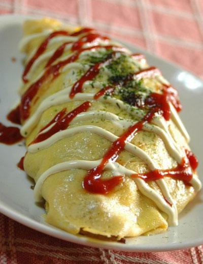 Mì xào cuộn trứng Nhật Bản