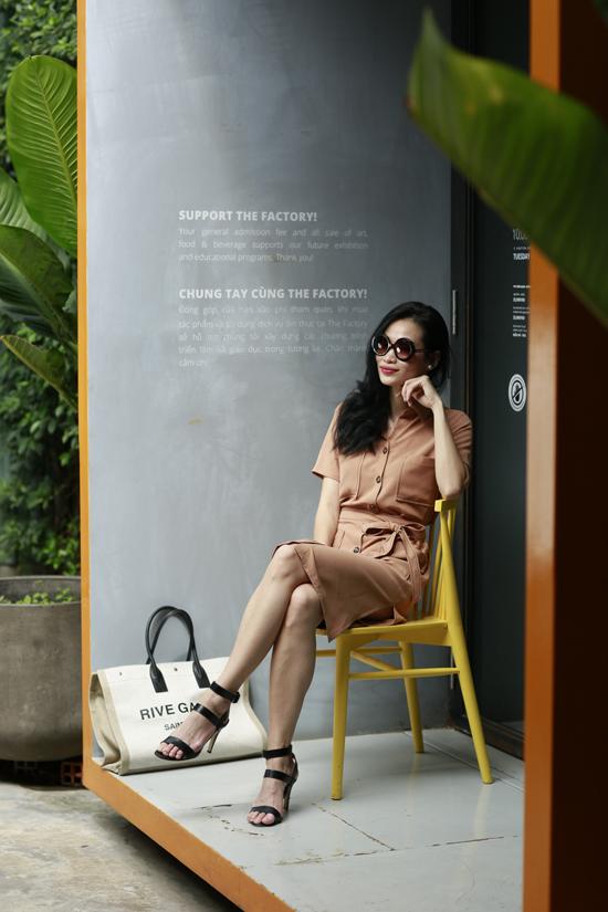 Thanh Trúc Trương gợi ý chọn đồ đơn sắc cho nàng công sở