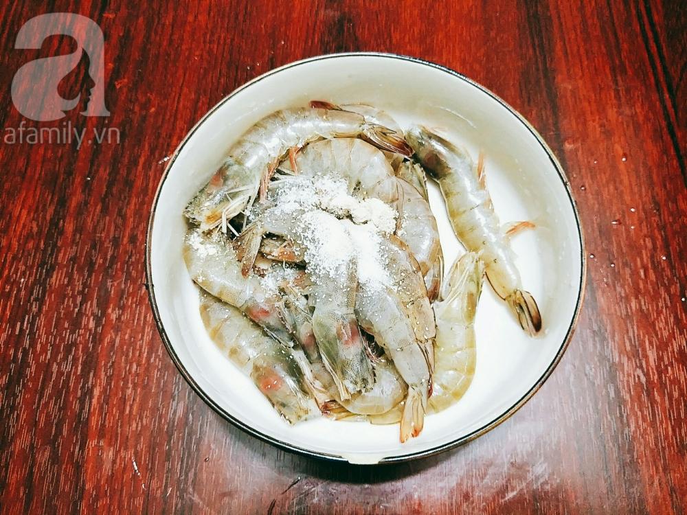 Bữa tối cơm hết veo với tôm rim mặn ngọt đưa cơm cực kì