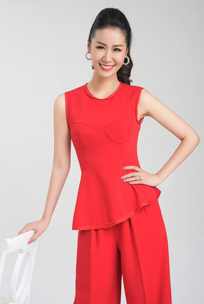 Dương Thùy Linh đi thi Hoa hậu quý bà thế giới ở tuổi 35