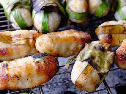 Những món ăn đường phố ngon quên sầu ở chợ hoa lớn nhất Sài Gòn