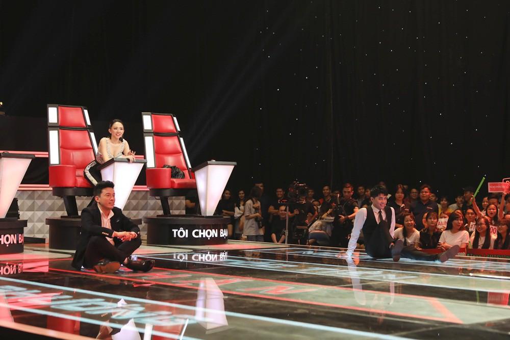 The Voice tập 5: Bùng nổ nút Chặn, Lam Trường - Noo Phước Thịnh ăn vạ để dụ thí sinh