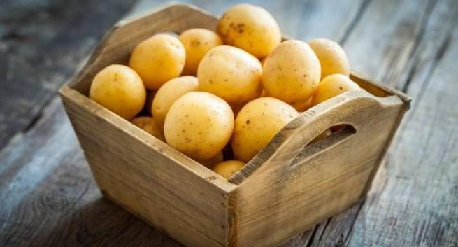 Chỉ với vài mánh nhỏ, các nàng đã có thể tái tạo làn da nhờ mặt nạ khoai tây rồi