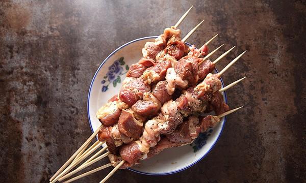 Thịt xiên nướng ướp công thức này đảm bảo ai ăn cũng ngất ngây