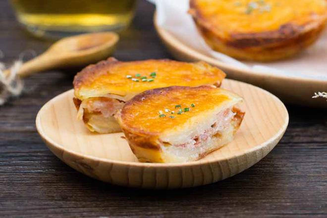 Thử làm bánh khoai tây phô mai theo cách này chắc chắn ai cũng sẽ mê mẩn ngay
