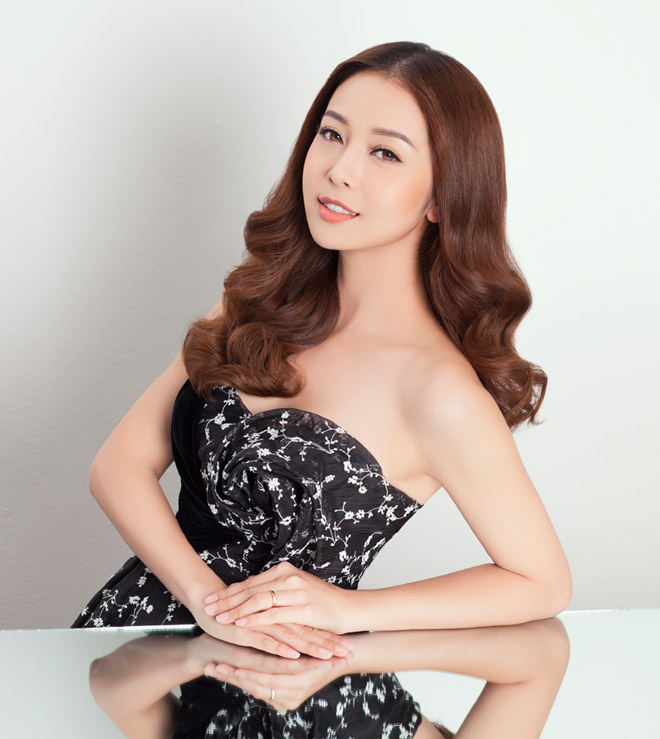 8 bí mật sau gương mặt đẹp hút hồn của hoa hậu Jennifer Phạm