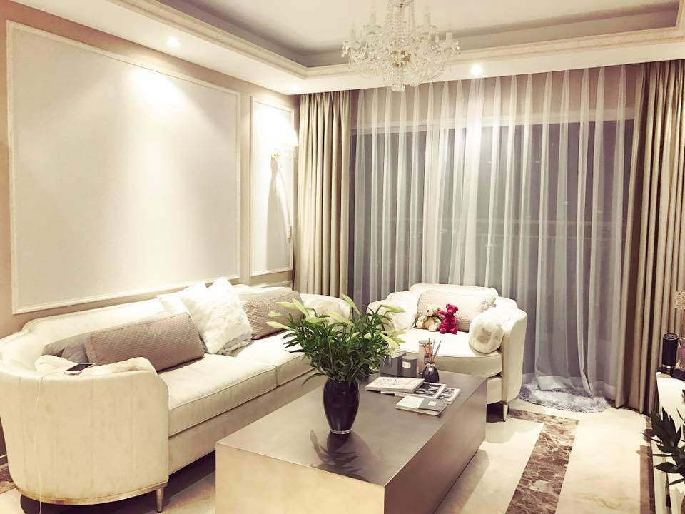 3 lần đổi nhà mới một bước lên tiên khó tin của Phạm Hương sau khi đăng quang