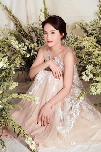 Diện váy cô dâu, Bảo Thanh gây bất ngờ vì thân hình nóng bỏng