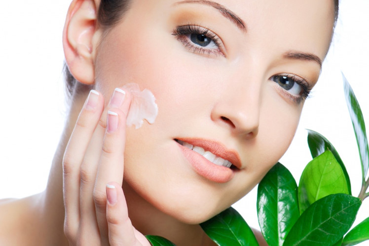 Những cách rửa mặt cho làn da rạng rỡ mùa hè