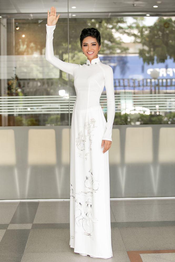 HHen Niê bật mí đang tăng cân để chuẩn bị cho Miss Universe 2018