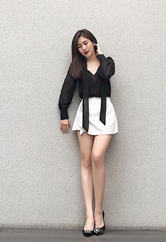 Chọn trang phục khoe chân thon đẹp như sao Việt