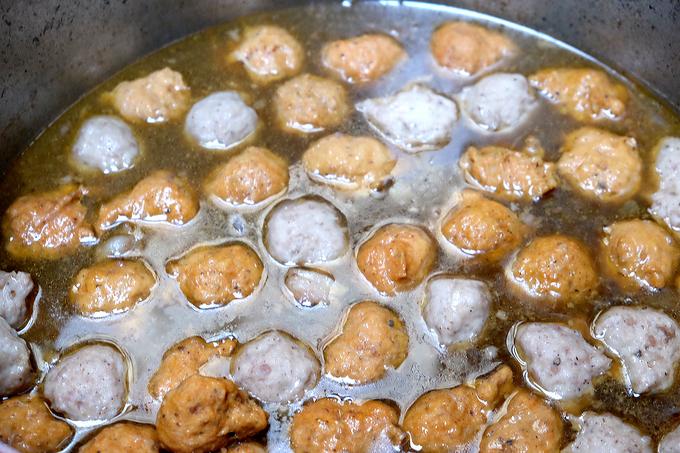 Những món ăn đường phố Huế hút khách giữa lòng Sài Gòn