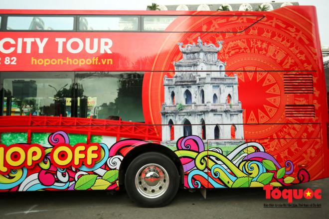 Du lịch quanh những điểm hot của Hà Nội bằng xe buýt 2 tầng giá từ 300 - 650 ngàn đồng