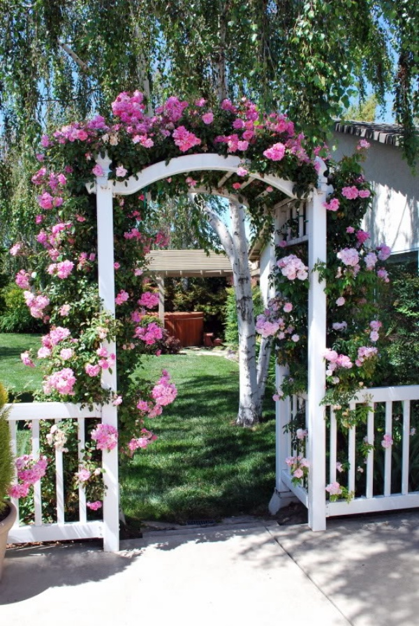 Những khu vườn trở nên lãng mạn và ngọt ngào nhờ cổng vòm rực rỡ sắc hoa