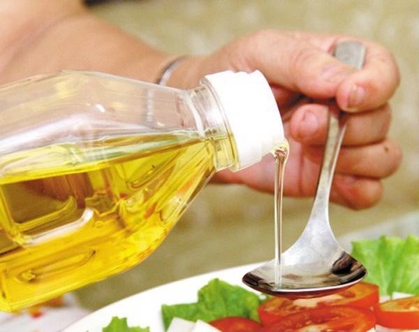Nấu nướng nhất định phải biết lúc vô cùng thích hợp để thêm dầu ăn vào giúp món ăn ngon xuất sắc