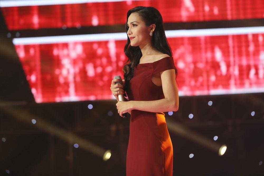The Voice tìm được Hoa hậu chuyển giới có giọng hát mê hoặc lòng người