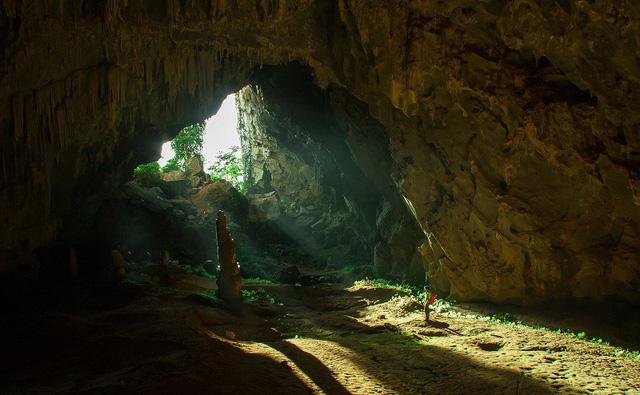 Ngỡ ngàng trước vẻ đẹp của hệ thống hang động hàng triệu năm tuổi