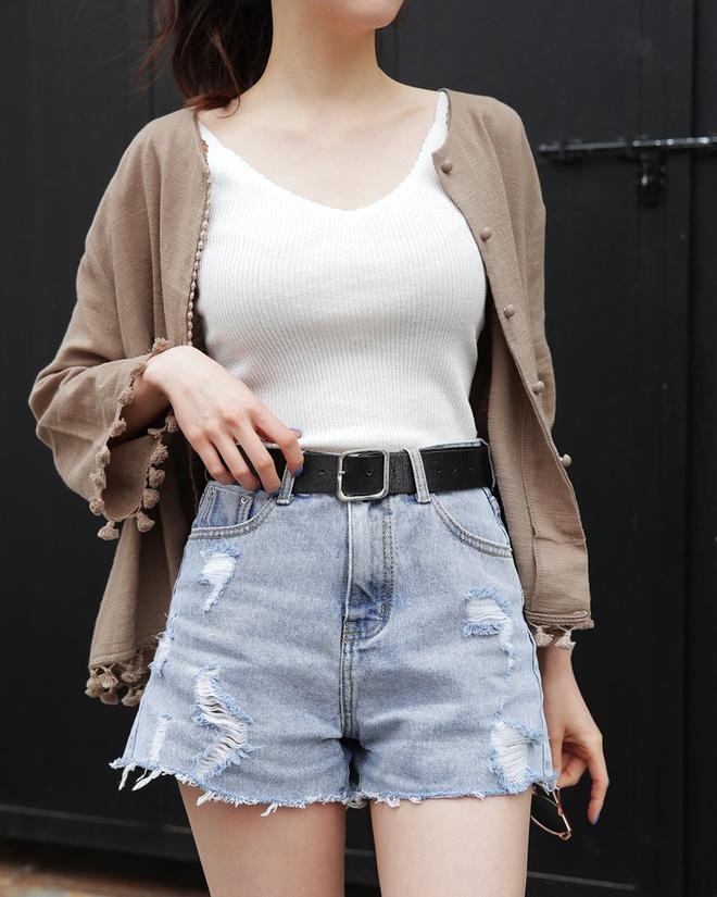 5 kiểu váy áo vừa mát vừa xinh giúp các nàng giấu nhẹm bắp tay to, tha hồ tung tăng bất chấp trời nắng nóng