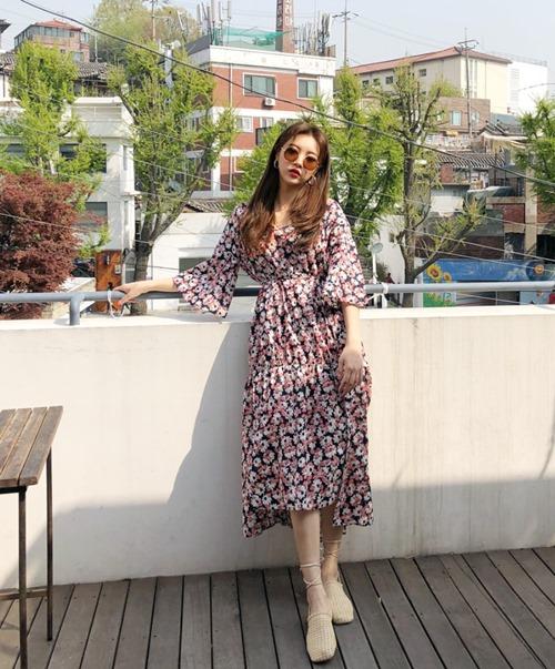 Trước khi mùa hè rực cháy, sắm ngay 5 kiểu váy mát rượi này