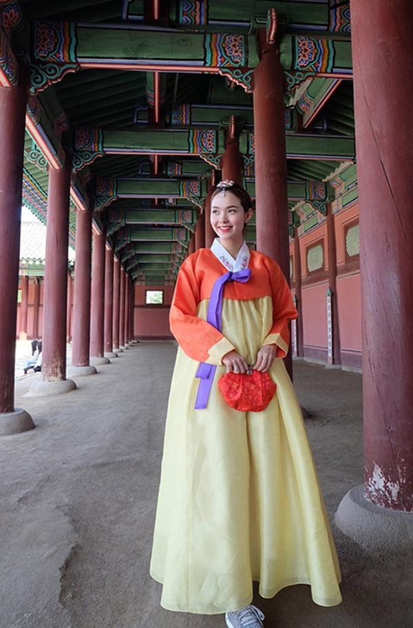 Sẽ như thế nào khi các người đẹp Việt diện Hanbok?