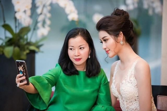 Nhan sắc mẹ Á hậu Tú Anh, Huyền My, hoa hậu Mai Phương chẳng thua con gái