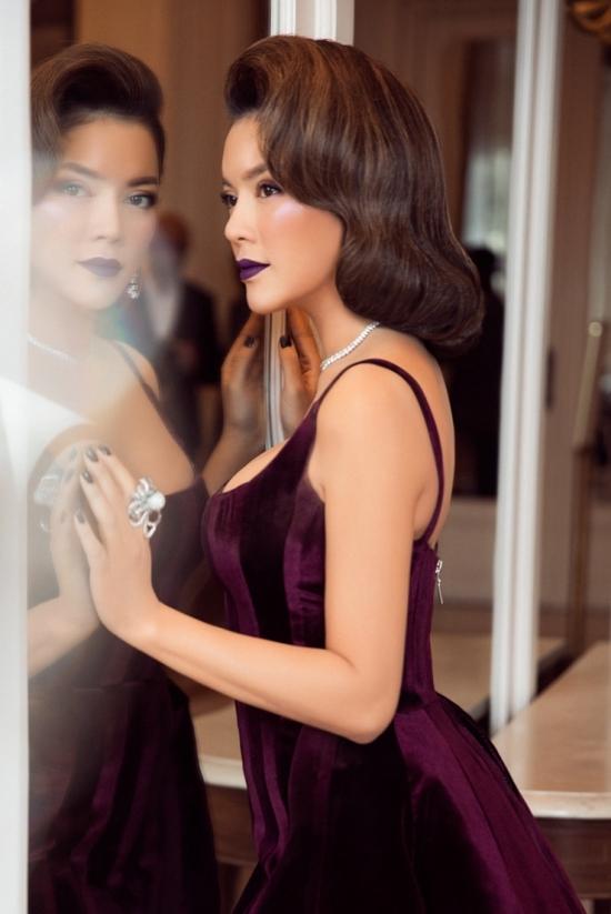 Lý Nhã Kỳ mặc váy hở đùi lên thảm đỏ Cannes