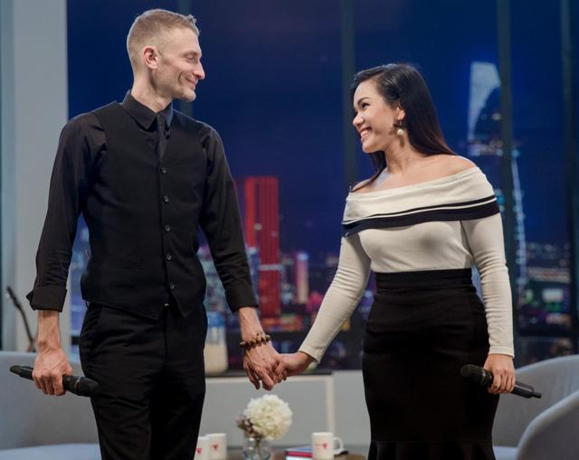 Phương Vy Idol bật khóc nức nở kể về chuỗi ngày hôn nhân sóng gió