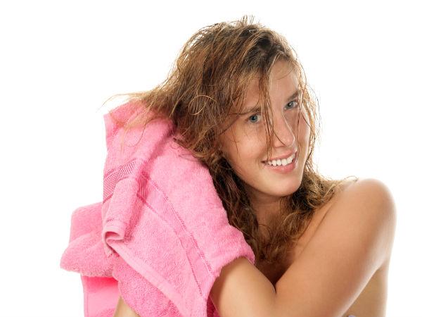 Mẹo nhỏ gội đầu giúp tóc mềm mượt gấp 2 lần
