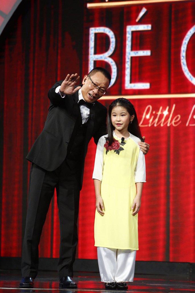 Mặt trời bé con Tập 15: Màn uốn dẻo của cô bé 11 tuổi người Mỹ khiến Lại Văn Sâm phải rùng mình