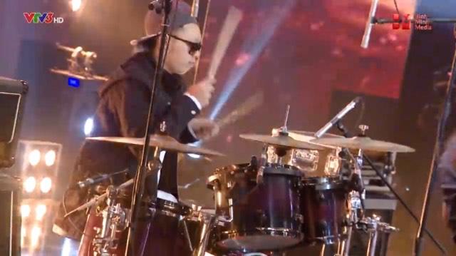 Ban nhạc Việt Tập 5: Xuất hiện ban nhạc khiến cả 4 giám khảo đứng ngồi không yên