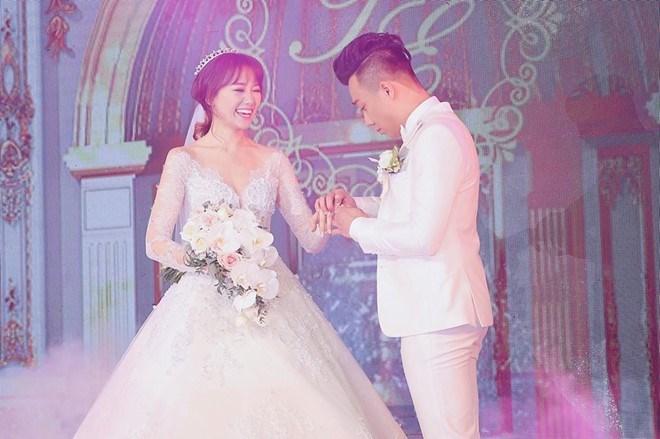 Hari Won lỡ miệng tiết lộ địa điểm kỷ niệm 1 năm ngày cưới Trấn Thành?