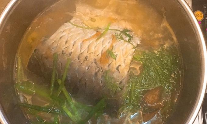 Cá trắm om dưa ngon cơm ngày đông