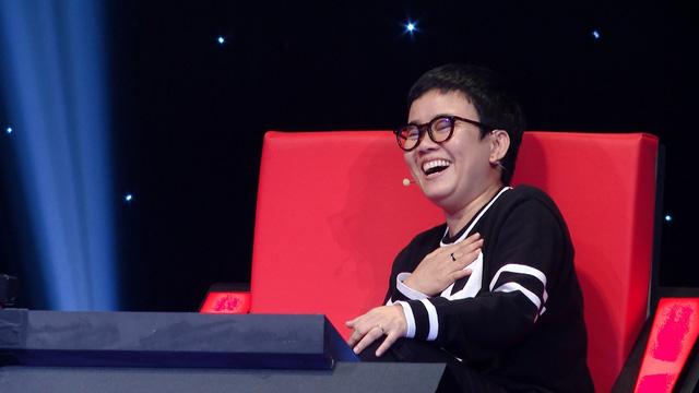 Tập cuối của Vòng vượt tường Ban nhạc Việt: Xuân Bắc bất ngờ dùng lời hát để dẫn chương trình
