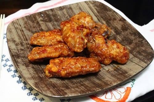 Cuối tuần làm món gà rán mè kiểu Hàn Quốc đãi cả nhà