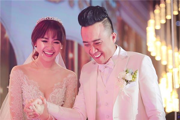 Trấn Thành hài hước tiết lộ màn cầu hôn lên tới 100 triệu thành công vì Hari Won ham tiền