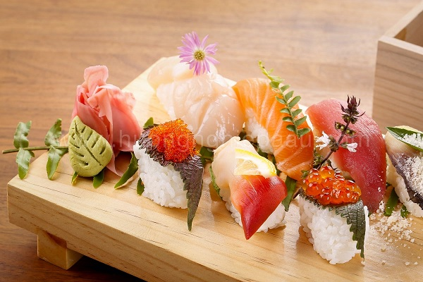 Ăn sushi, nigiri sushi và sashimi đúng điệu như người Nhật