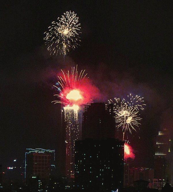 TP.HCM tổ chức bắn pháo hoa Tết Dương lịch và Tết Nguyên đán 2018