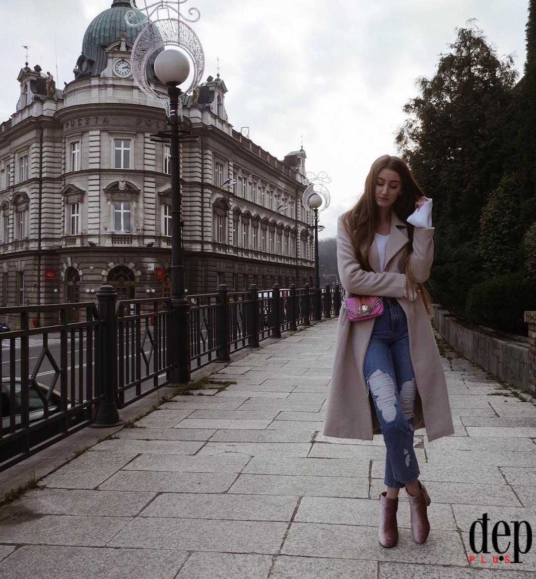 Gợi ý 5 set đồ cùng áo khoác dạ dài cho cô nàng thích style đơn giản