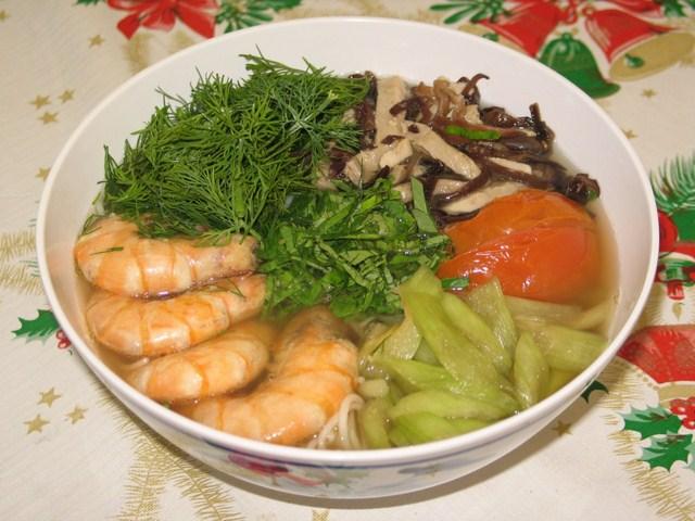 Bún tôm, món đặc sản xứng đáng vượt biển để ăn ở Cát Bà