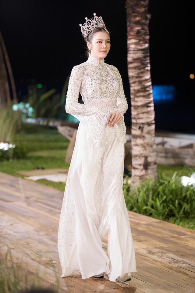 Hoa hậu Đại dương Ngân Anh nói gì sau khi bị nghi lật kèo đấu giá áo dài 700 triệu?