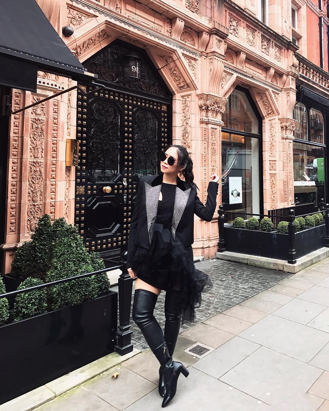 Ngắm style mùa đông sang chảnh và cá tính của Nga Nguyễn - nàng fashionista nổi tiếng thế giới
