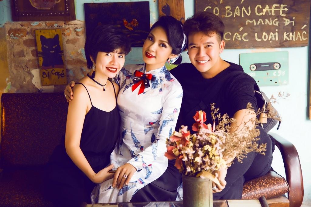 Nữ hoàng ảnh lịch Việt Trinh diện áo dài hóa thân thành quý cô cổ điển thanh lịch